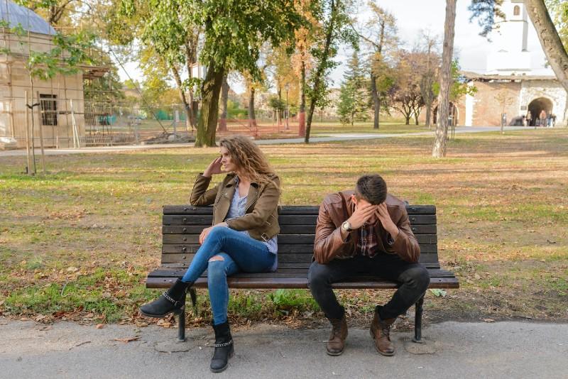 ¿Perdiste a un ser querido por diferencias religiosas? Consejos de psicólogos para manejarlo