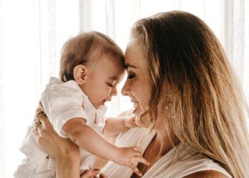 Tu apego con tu madre puede definir cómo te relacionas con tus parejas, advierten psicólogos