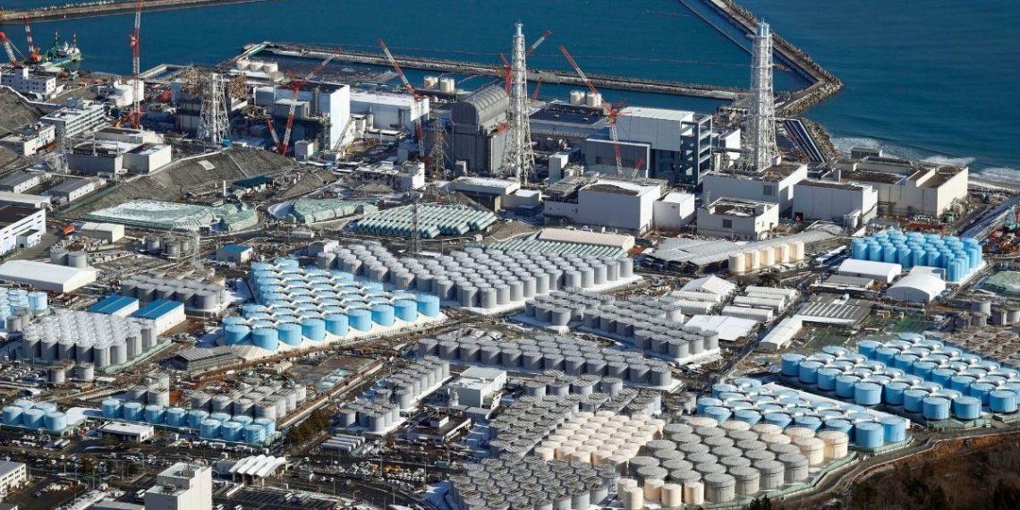 Verterán agua al mar de la central de Fukushima