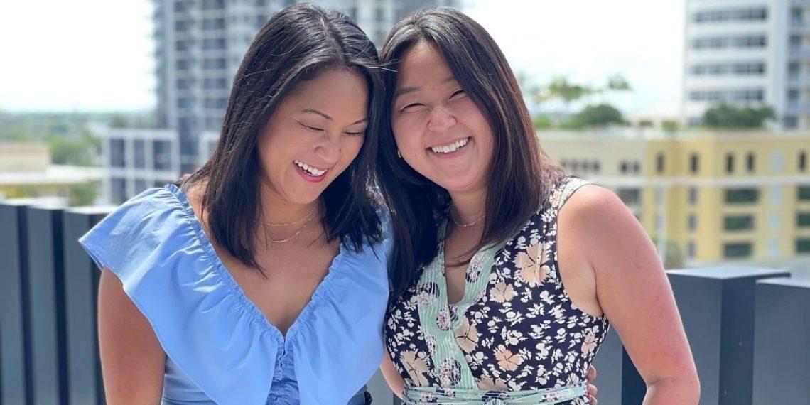 Unas gemelas separadas al nacer logran reencontrase 36 años tras una prueba de ADN
