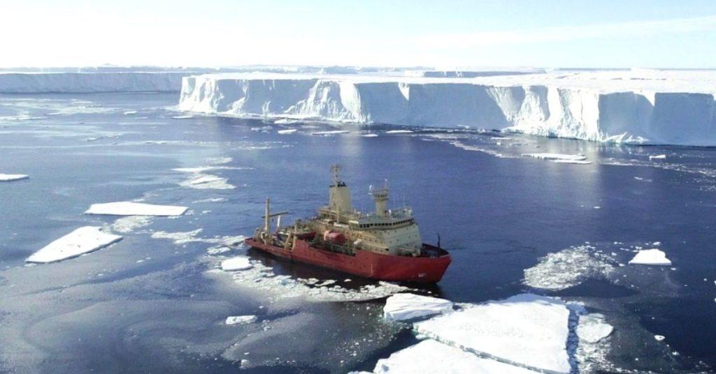 deshielo del glaciar en la Antártida