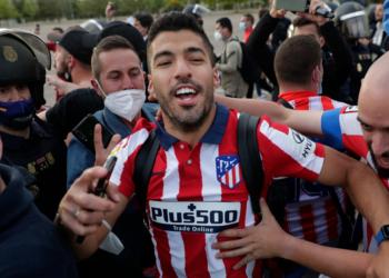 Luis Suárez celebró su primer título con el Atlético
