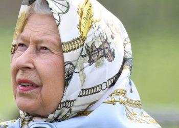 reina Isabel II infidelidades