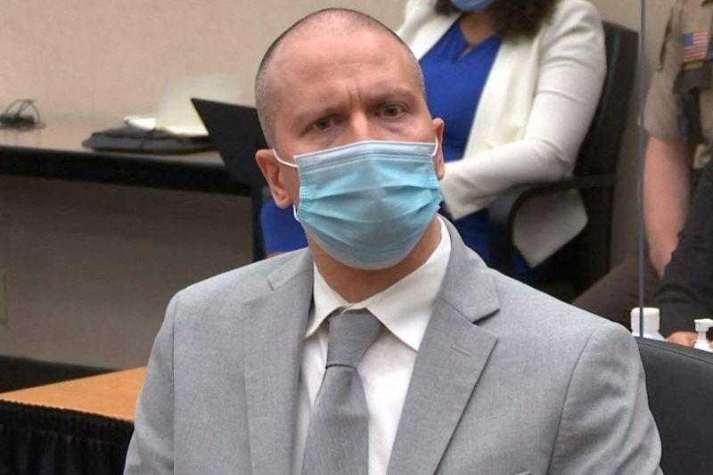 Expolicía Derek Chauvin es condenado a 22 años de prisión