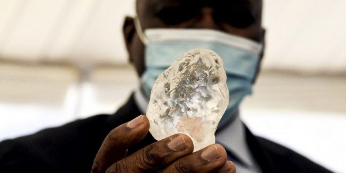 Descubren un sorprendente diamante que sería el tercero más grande del mundo en Botsuana