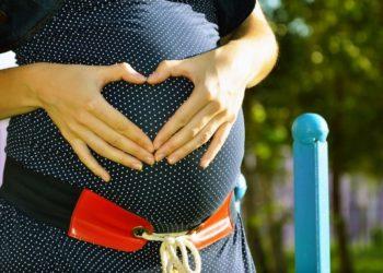 Mujer gestará el bebé de su hermana