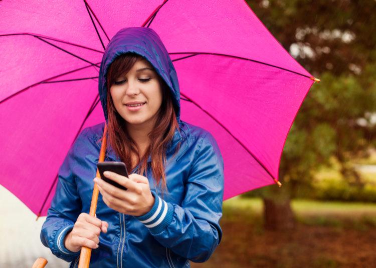 Ten cuidado con el manejo del móvil fuera de casa