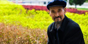 Abuelo encuentra a nieto en China