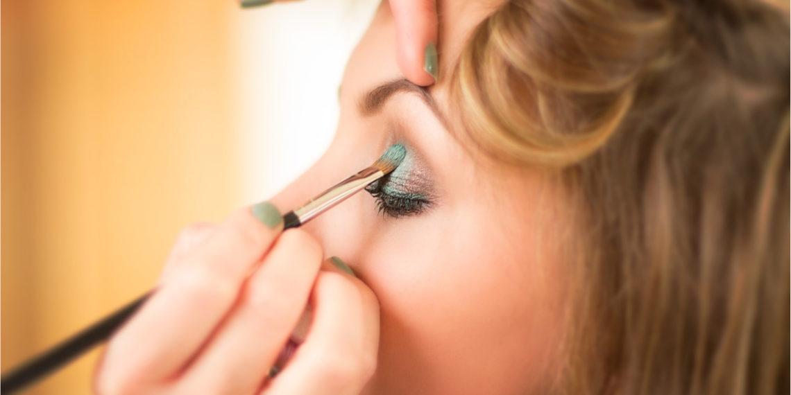 Tiktoker apodada como 'la mujer de mil caras' sorprende con su maquillaje