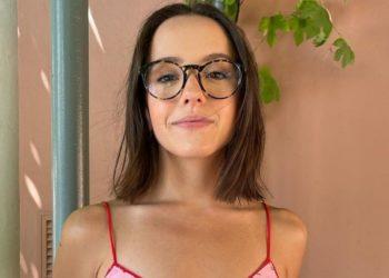 Fans de Evaluna ponen en duda su religiosidad por foto en traje de baño