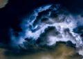 luces en el cielo durante los terremotos